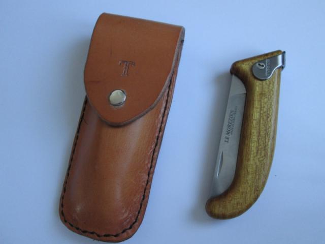 Accessoires en cuir pour le rasage - Page 2 612102img1973-4452b56